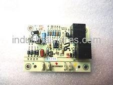 Carrier HK32AA002 Temperature Controller